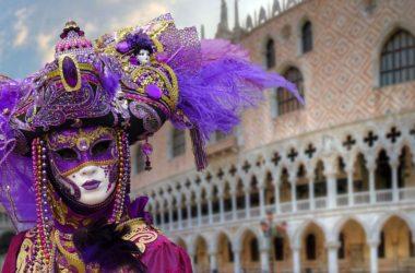 Karneval v Benátkách láká turisty. Proč ho vidět?